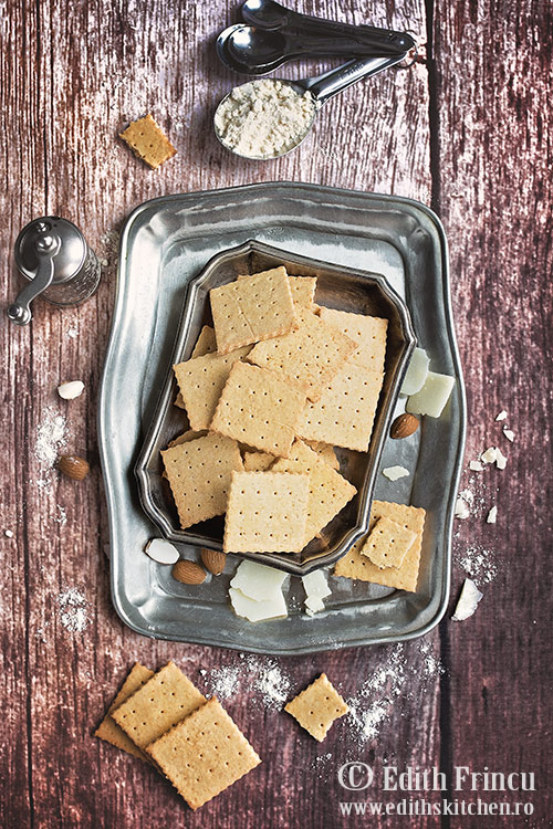 Crackers cu parmezan