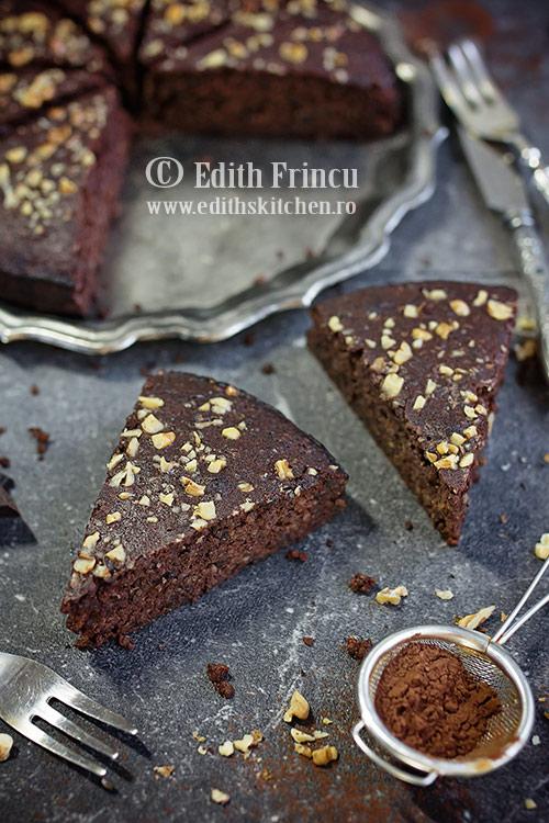 tort-cu-nuci-si-ciocolata