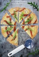 Pizza cu rosii uscate si branza