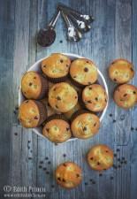 Muffins cu ananas si ciocolata