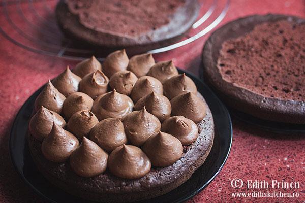assamblare-tort-cu-ciocolata