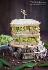 Sandwich cu avocado naut si leurda