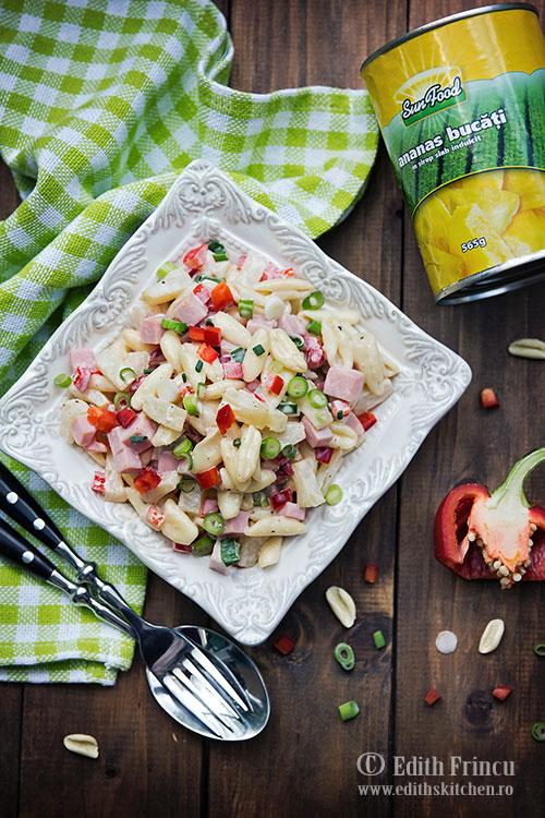 salata-hawaii-cu-paste-si-ananas-1
