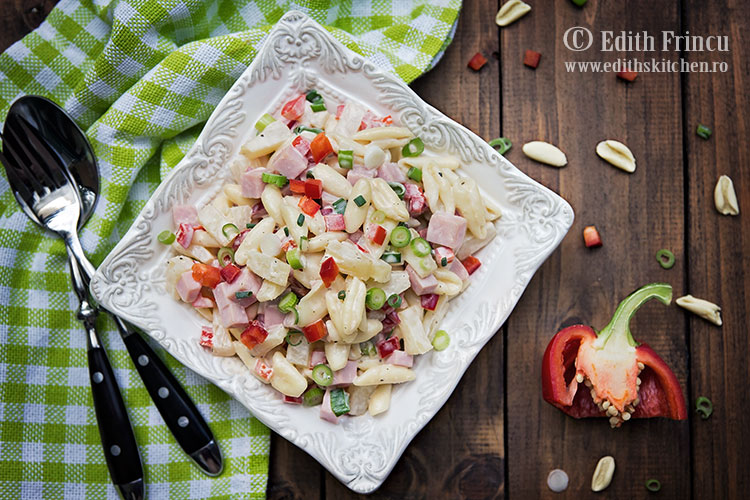 salata-hawaii-cu-paste-si-ananas-3