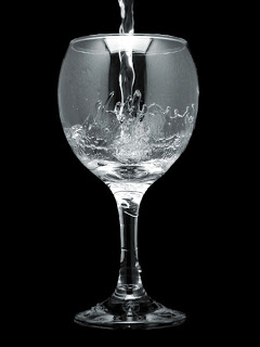 Glass of Water 1 - CATE CEVA DESPRE APA