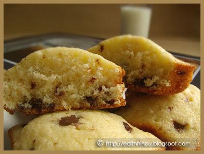 muffinssectiune - MUFFINS PUFOSI CU CIOCOLATA
