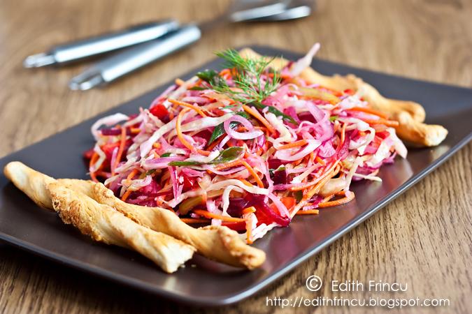 salata cu ridiche si sfecla 1 - SALATA CU VARZA, RIDICHE SI SFECLA