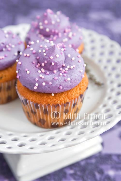 cupcakes cu levantica 3 - CUPCAKES CU LEVANTICA
