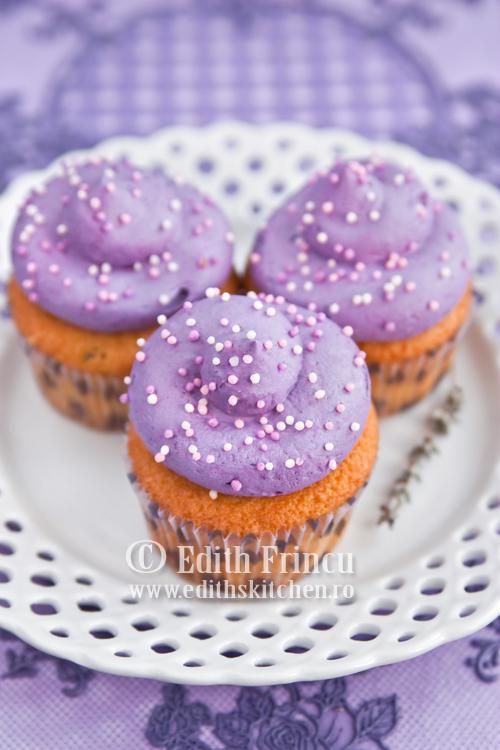 cupcakes cu levantica - CUPCAKES CU LEVANTICA