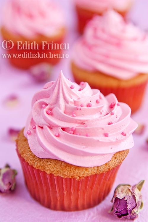 cupcakes252520cu252520trandafiri2525202 thumb25255B325255D - CUPCAKES CU TRANDAFIRI