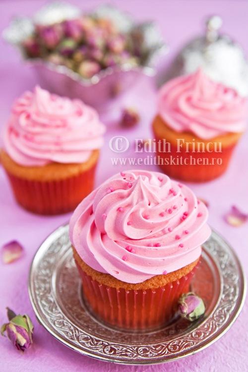 cupcakes252520cu252520trandafiri thumb25255B325255D - CUPCAKES CU TRANDAFIRI