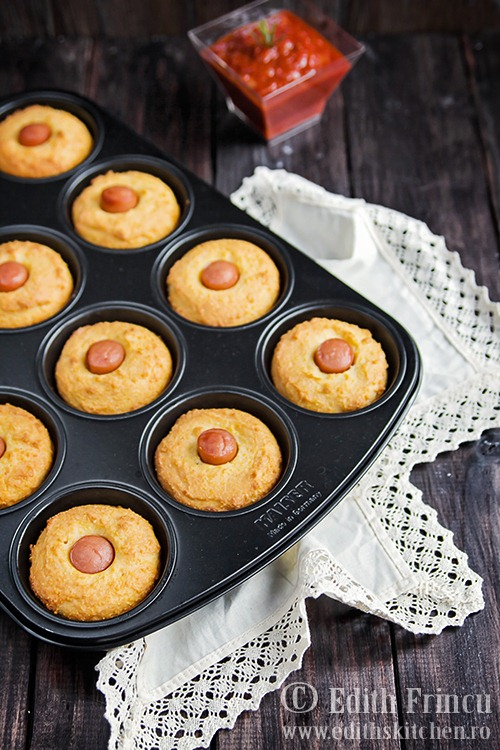 corn252520dog252520muffins2525201 thumb25255B325255D - Muffins cu crenvursti