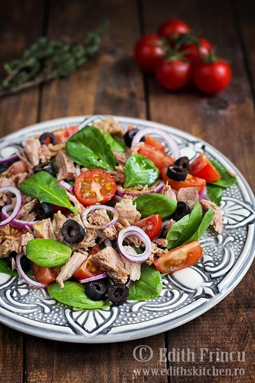salatacuspanacsiton1 thumb3 1 - Salata cu spanac si ton