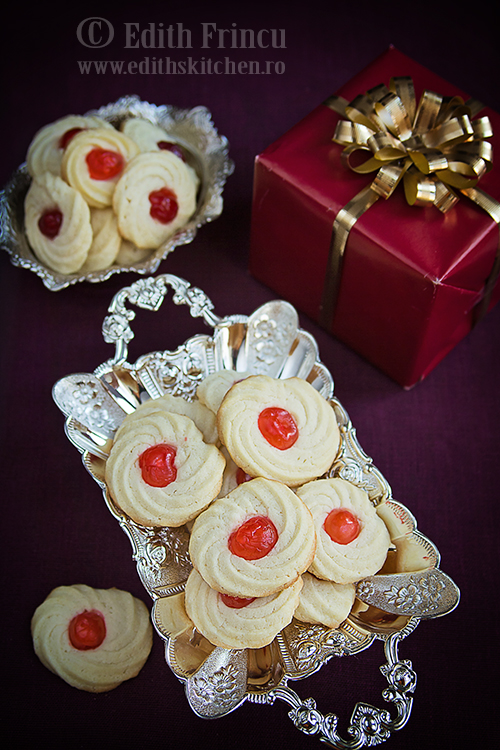 biscuiti cu cirese 2