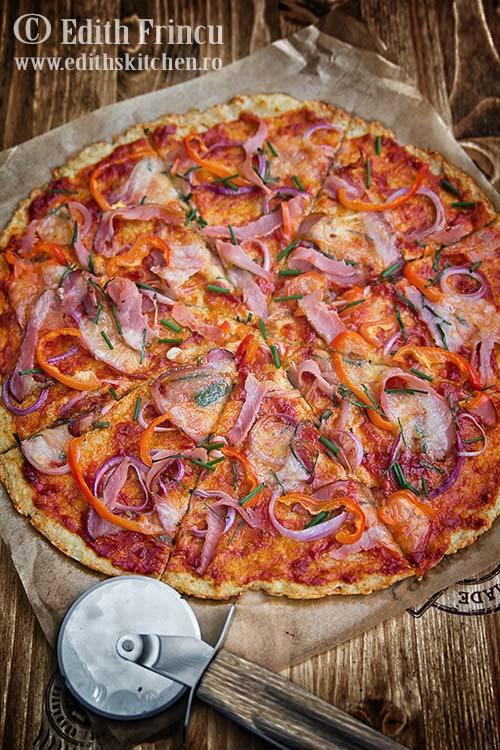 pizza cu blat de conopida 1 - Pizza cu blat de conopida