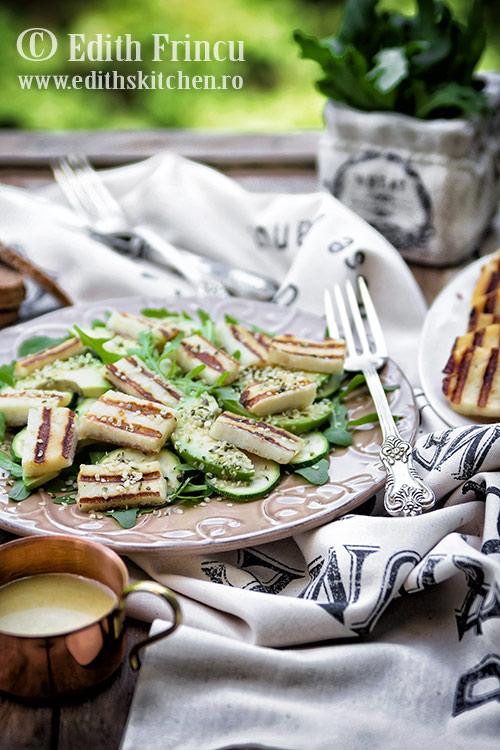 salata-cu-avocado-si-halloumi-1
