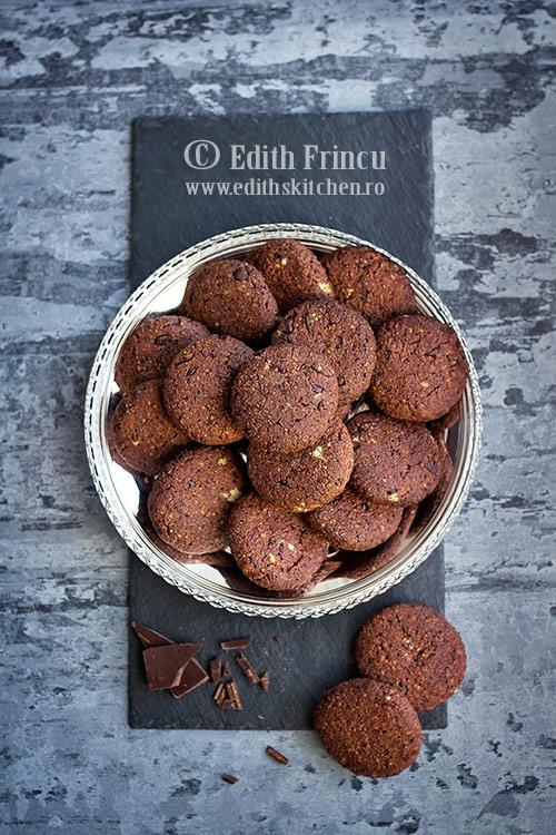 biscuiti cu ciocolata si portocale - Biscuiti cu ciocolata si portocale