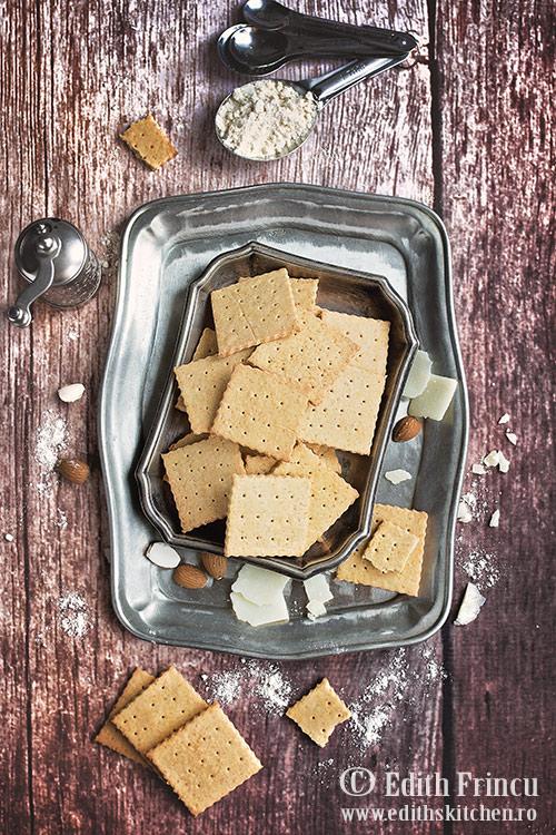 crackers cu parmezan - Crackers cu parmezan
