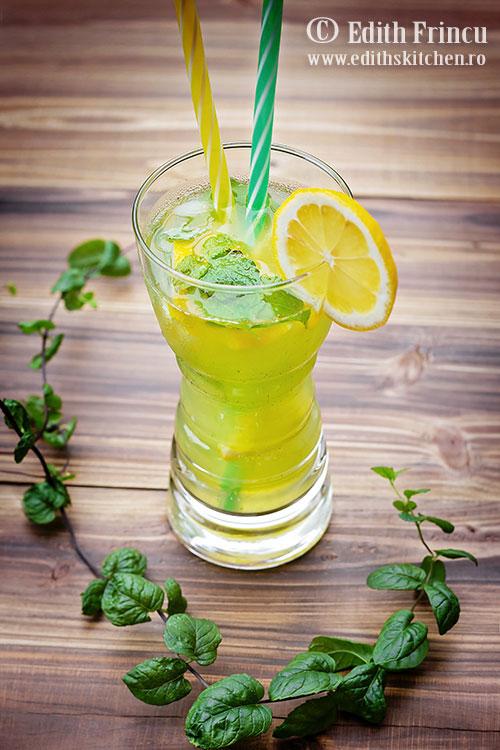 limonada cu roinita - Limonada cu roinita