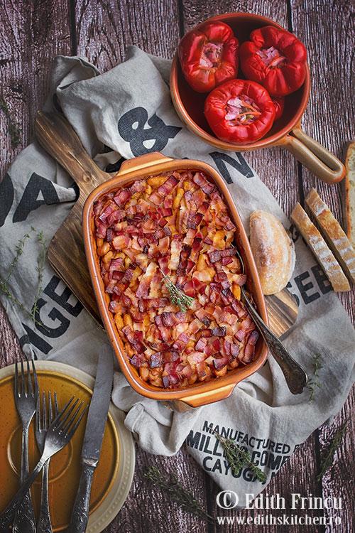 fasole-cu-bacon-la-cuptor