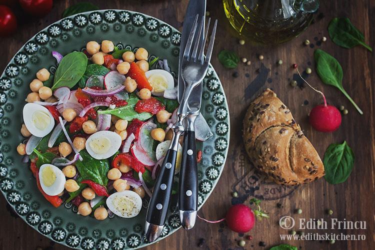 salata cu ardei copt si naut 3 - Salata cu ardei copt si naut