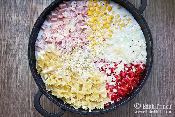 one-pot-pasta-cu-sunca-si-porumb-4