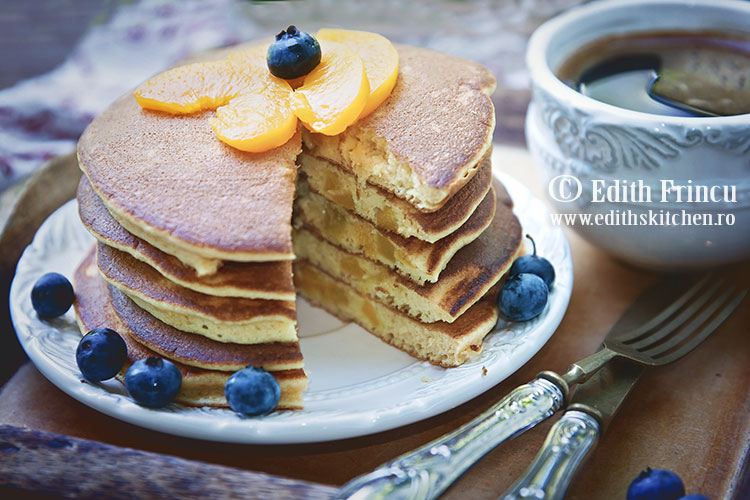 pancakes cu piersici 1 - Pancakes cu piersici