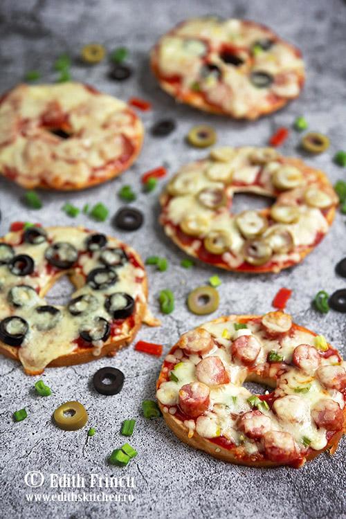 pizza bagels - Pizza bagels