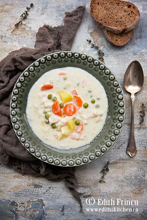 Supa de pui cu smantana si mazare - Supa de pui cu smantana si mazare
