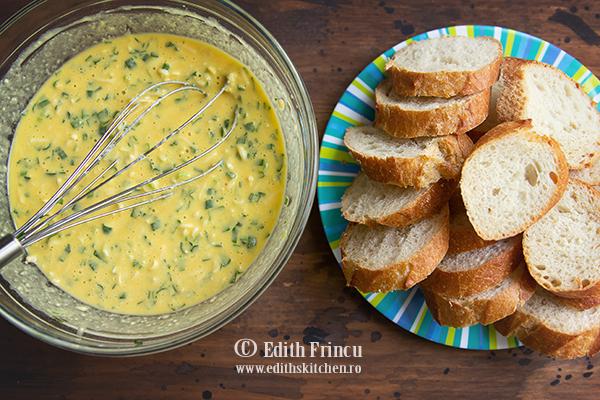 ingrediente friganele sarate - Friganele cu ceapa si mozzarella