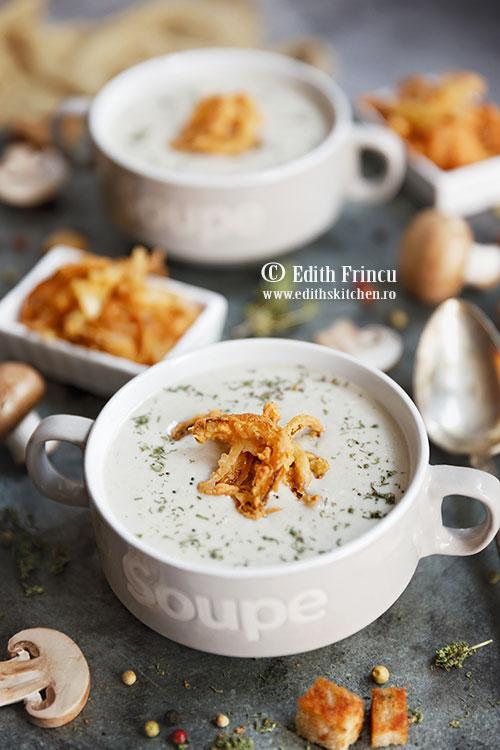 supa crema de ciuperci cu ceapa crocanta - Supa crema de ciuperci cu ceapa crocanta