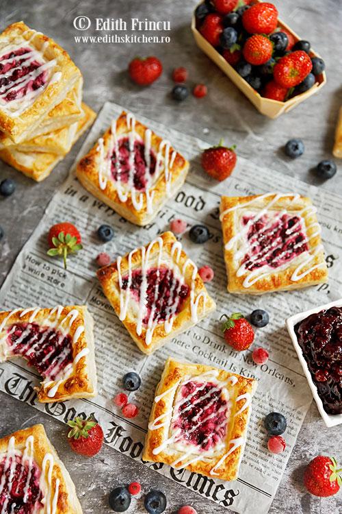 mini tarte cu branza si fructe de padure 2 - Mini tarte cu branza si fructe de padure